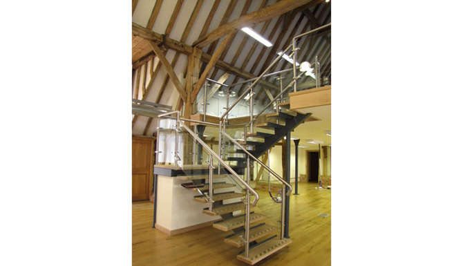 WEB 13444-Widbury Hill Barn 005